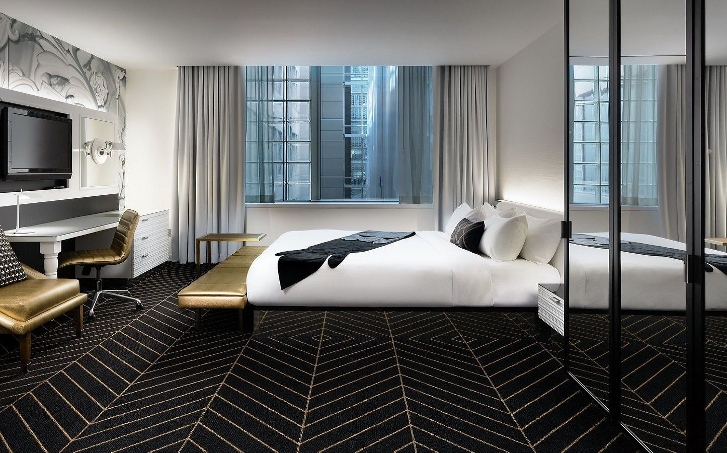 Mega Room at W Montreal